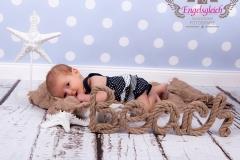 12_engelsgleich-babybilder-babyfotos-babyfotografie-harburg-buchholz-tostedt-1