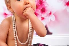 09_Engelsgleich-Neugeborenenfotografie-Babybilder-Cake-Smash-Shooting-Smasth-the-Cake-Kuchenschlacht-Fotografie-1.-Geburtstag-2