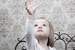 10-Engelsgleich-Kinderfotografie-Kinderbilder-Buchholz-Fotostudio-Harburg-Tostedt-Kinder-Studioaufnahme
