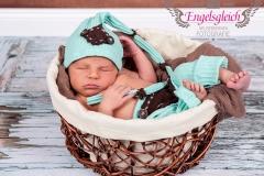 30_engelsgleich-neugeborenenfotografie-neugeborenenbilder-buchholz-newborn-babyfotografie-11