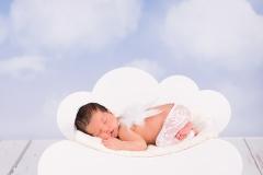 Engelsgleich_Neugeborenenfotografie_Babybilder_Babyfotos_Babyfotografin_Neugeborene_buchholz_Hamburg_Mädchen_Krankenhaus_Geburt
