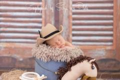 Engelsgleich_Neugeborenenfotografie_Babybilder_Neugeborene_Cowboy_Buchholz_Hamburg_Stade