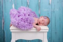 newborn_türkis_lila_tostedt_neugeborenes_buecher_baby_neugeborenenbilder_neugeborene_hamburg_buchholz_engelsgleich